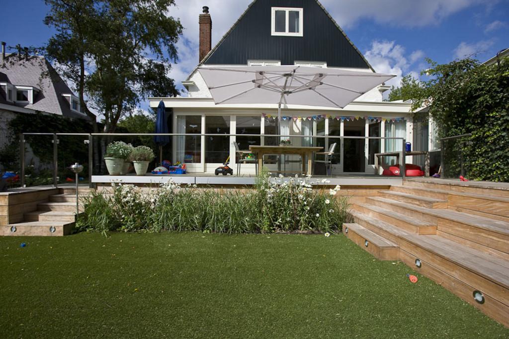 Terrassen Veranda veranda plaza terras met glazen balustrade trappen bordessen en