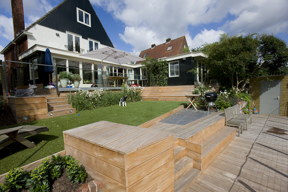 veranda-plaza-terras-met-glazen-balustrade-trappen-bordessen-en ...