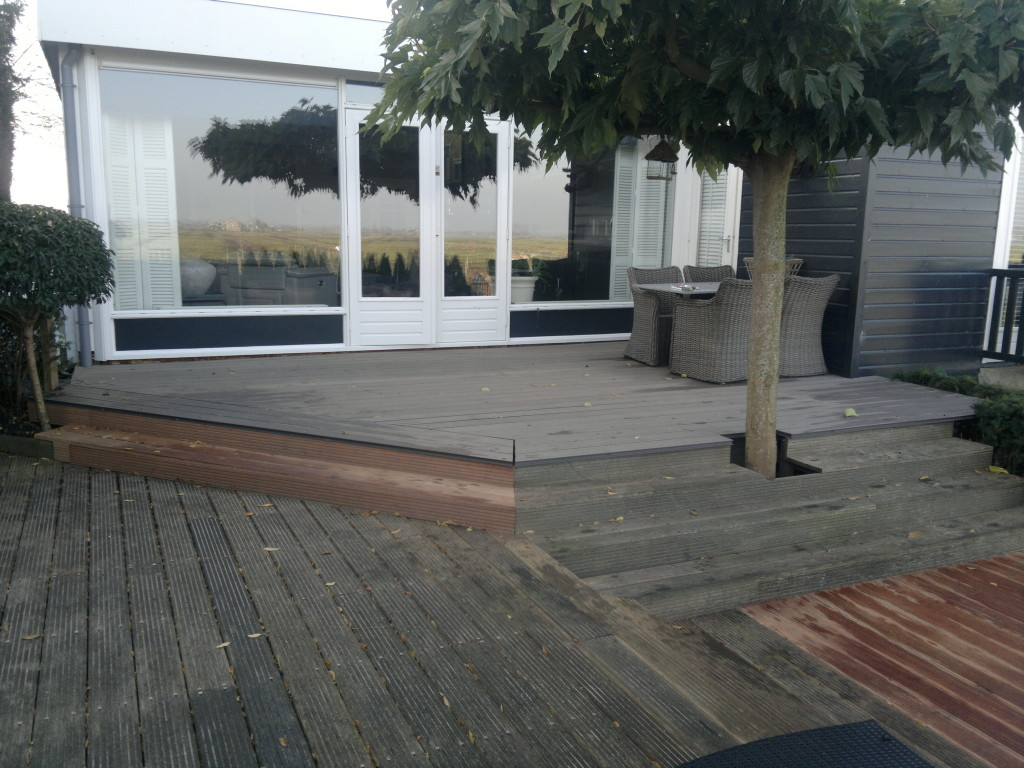 Terras zonder balustrade in Kwadijk
