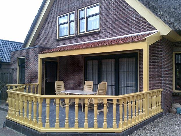 Woning met veranda in Aarlanderveen